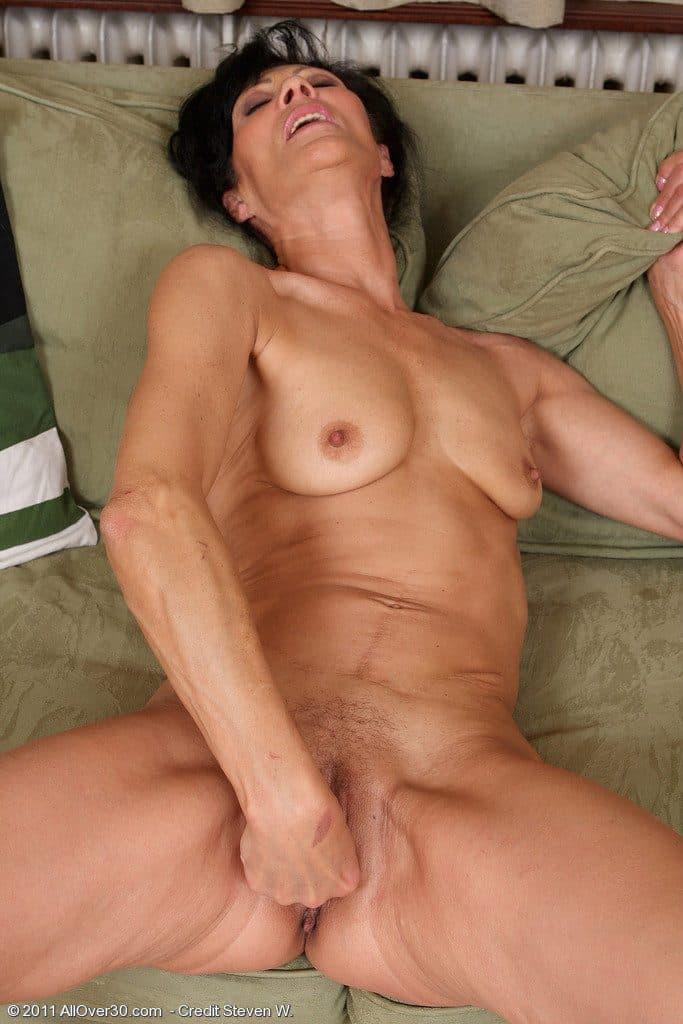 La Madre De Mi Novia Desnuda En Unas Fotos Picantes Fotosxxxgratisorg