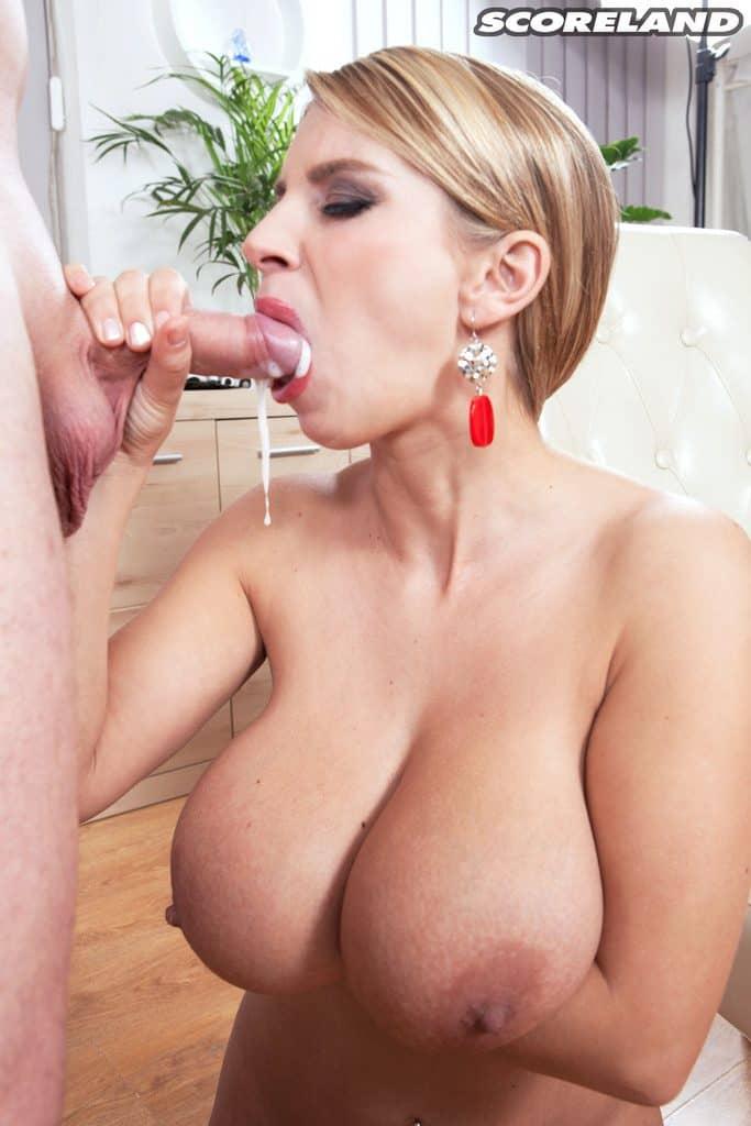 Esperma en la boca